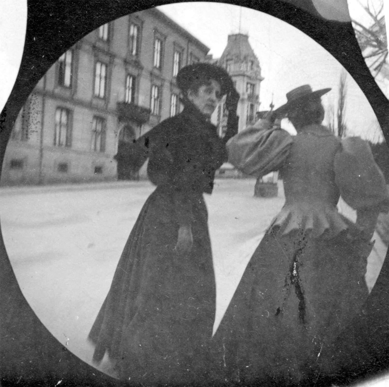 foto-retro-skritoy-kameroy