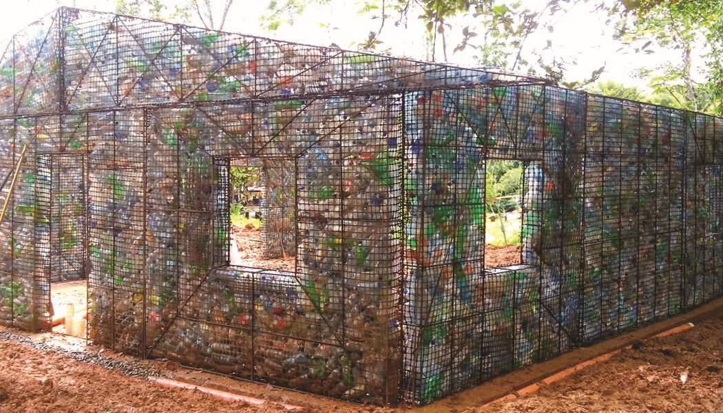 Домики из бутылок пластиковых фото